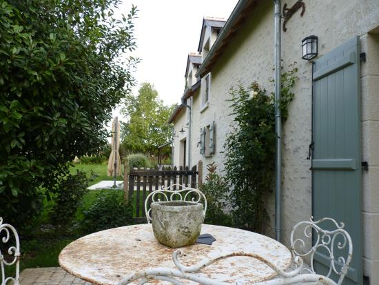 Mulsans, France : Blick in den Garten