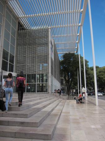 Carré d'Art/Musée d'art contemporain : Entrada do museu