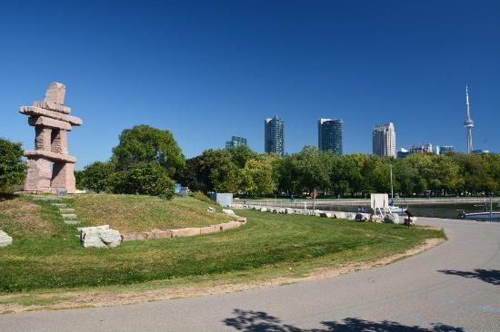 The Toronto Inukshuk Park