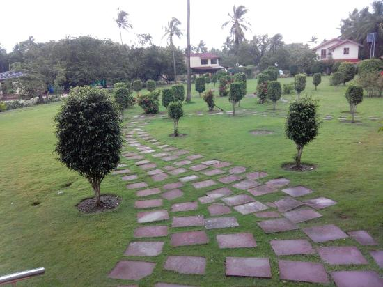 Orchard, The Resort: Pathway towards the Rooms
