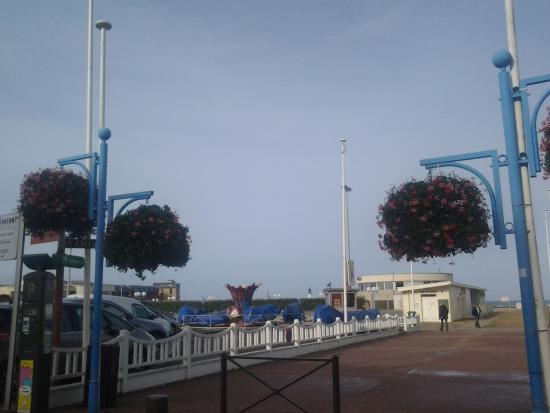 Plage de trouville trouville sur mer all you need to - Office de tourisme trouville sur mer ...
