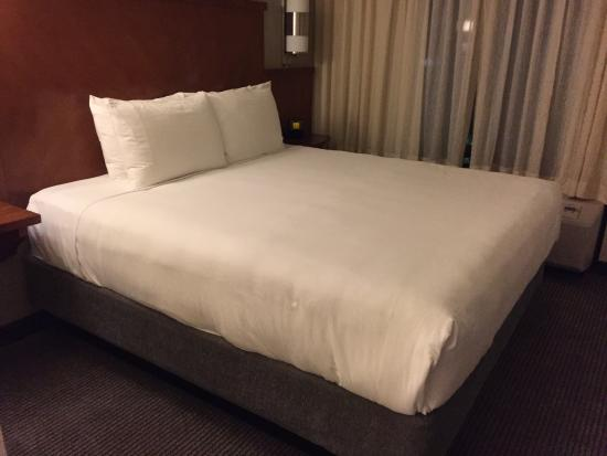 Hyatt Place Atlanta/Cobb Galleria: Comfy Bed