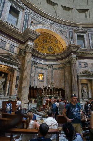 Binnen interieur picture of pantheon rome tripadvisor for Binnen interieur