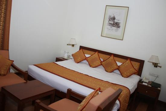Gorbandh Palace: Deluxe Room - Bed