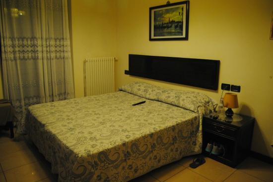 Hotel Cortina : habitación