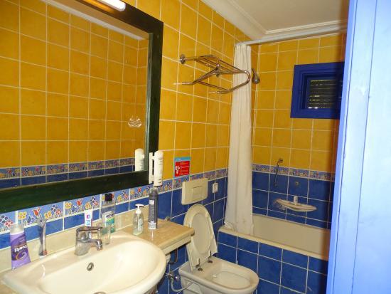 badezimmer, 1,20m breit ohne fenster. duschwanne 0,6 m hoch, Badezimmer ideen
