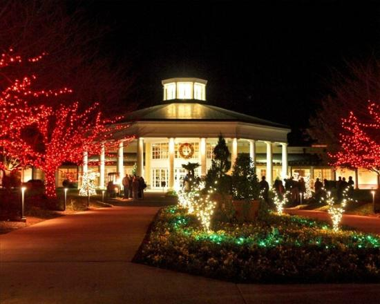 Christmas Town Usa.Christmas Town Usa Picture Of Super 8 By Wyndham