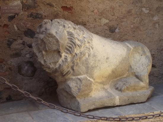 Aleria, France: Lion Etrusque (4ème siècle avant J.C)