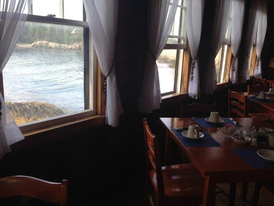 Driftwood Inn and Cottages: View from the dining/breakfast room