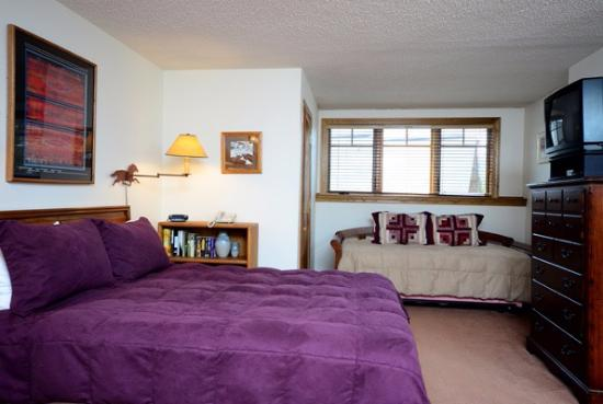The Phoenix at Steamboat: Master Bedroom