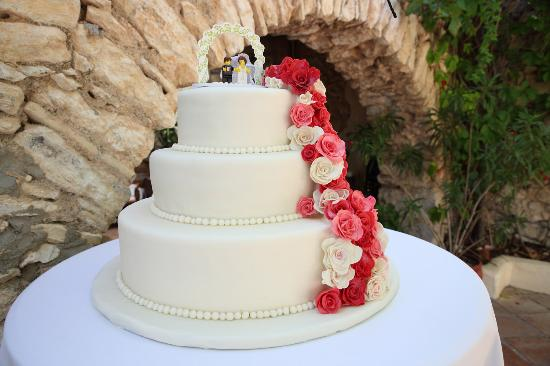 Red Velvet Wedding Cake.Red Velvet Wedding Cake Sitges Picture Of Red Velvet