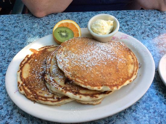 Kentfield, CA: Blueberry pancakes