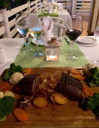 Casa De Flor Restaurant & Cafe