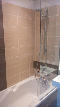Logis Du Cavier : Salle de bain