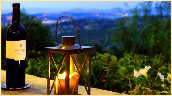 Gassin, France : Abendliche Aussicht von der Terrasse