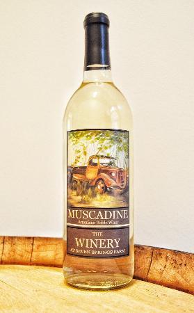 Maynardville, TN: Muscadine Wine