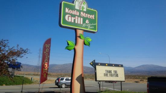 Omak, Ουάσιγκτον: Koala Grill thanks the firefighters