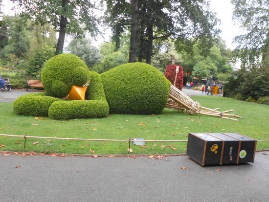 Les bancs processionnaires picture of jardin des plantes for Jardin des plantes nantes