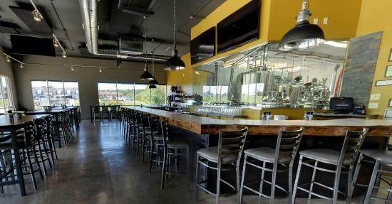 Micro Brewery With Gourmet Menu Review Of Lionstone Gastropub Geneseo Il Tripadvisor