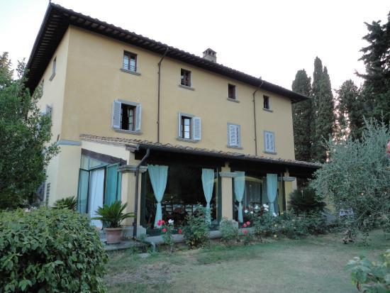 Montespertoli, Włochy: Haupthaus mit Frühstüchsraum
