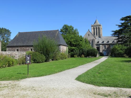 Abbaye de La Lucerne : Vue 3
