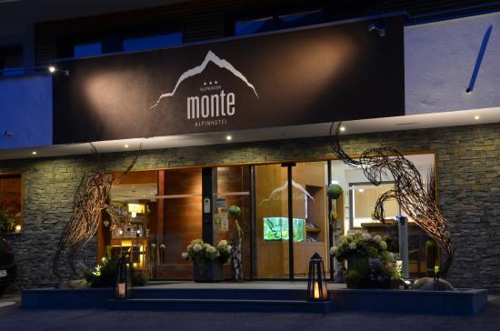 Alpinhotel Monte: Hoteleingang
