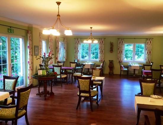 Waldcafé: breakfast room, assigned tables