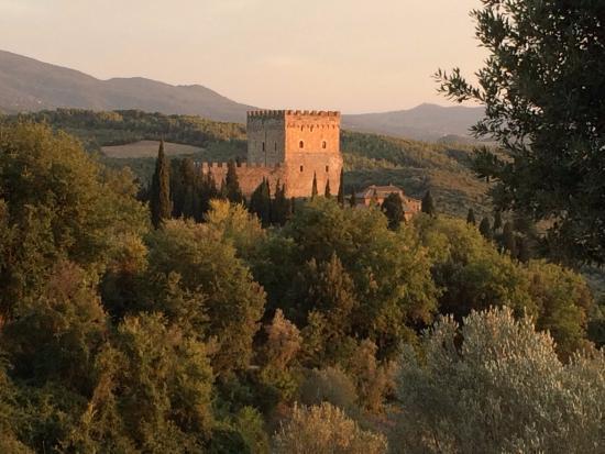 Castello di Ripa d'Orcia: Charme, poésie, histoire, sérénité...