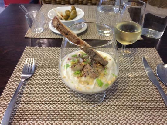 L'ardoise : Crémeux de chou-fleur, huile de noisette, et maquereau fumé (Smoked mackerel on puréed cauliflow
