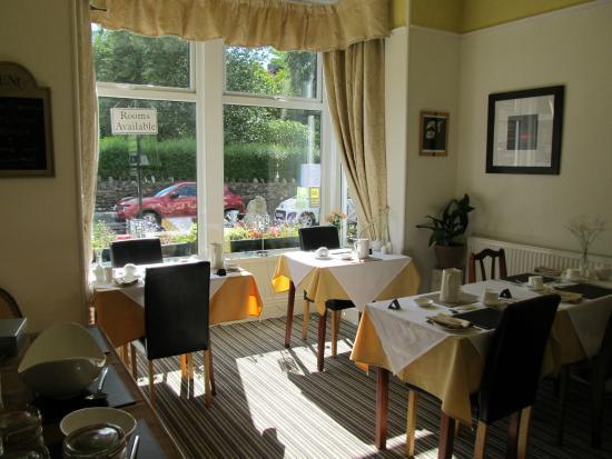 Broadlands Guest House: Dining room