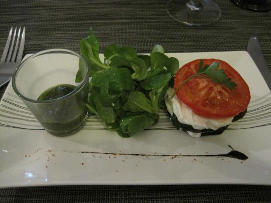 Taillades, Fransa: Starter with fresh goat cheese
