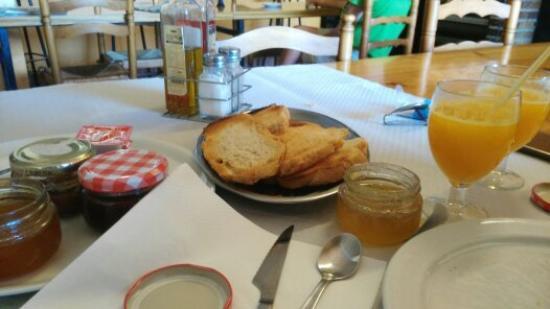 Hotel Les Roques: Desayuno