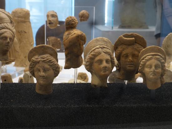 Museo Archeologico Nazionale di Reggio Calabria: Clay heads
