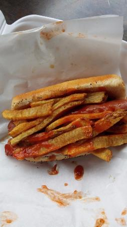 Monticello, Indiana: fries on my dog?  yes, please!
