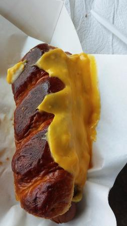 มองติเซลโล, อินเดียน่า: pretzel bun!  Oh yeah!!