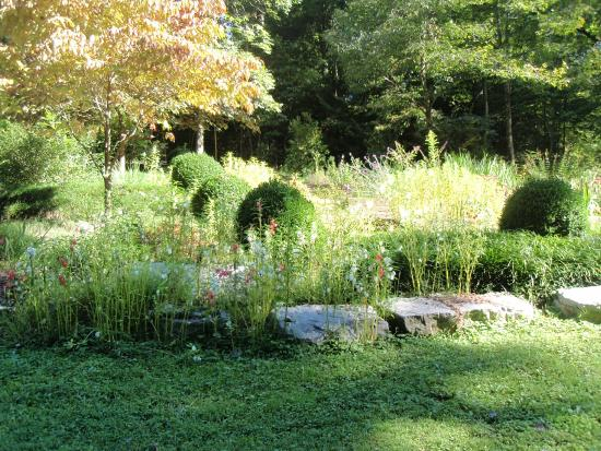 Buckhorn Inn: One of the onsite gardens