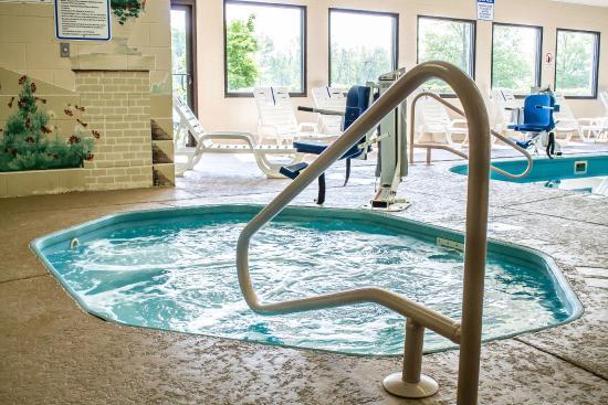 Indoor Pool - Picture of Comfort Inn, Cambridge - TripAdvisor