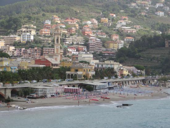 Moneglia beach picture of piccolo hotel moneglia for Hotel moneglia