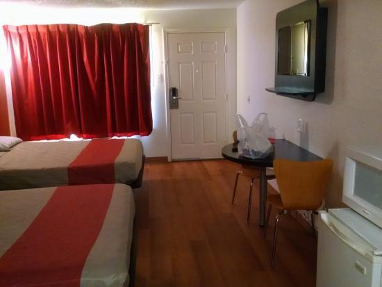 Motel 6 Waxahachie: room
