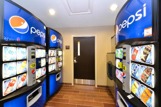 Sleep Inn & Suites : Beverage Vending Area