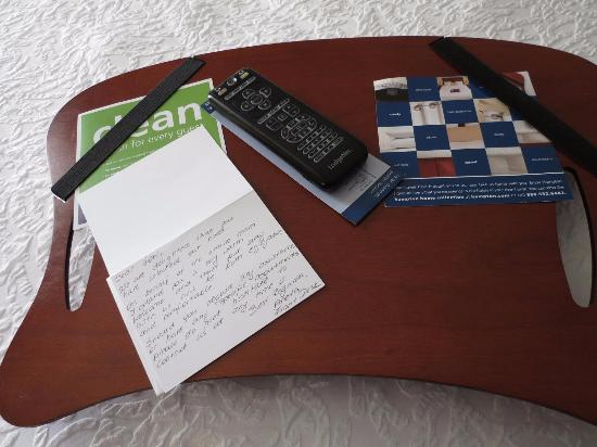 Hampton Inn & Suites by Hilton Barrie: Hand written letter from front desk staff