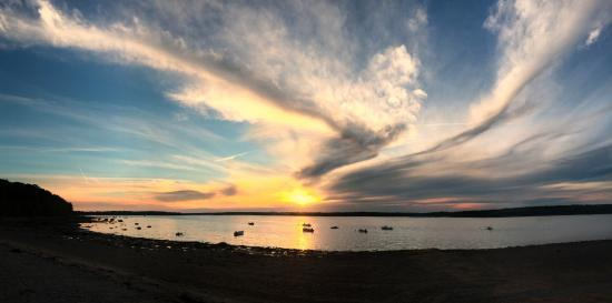 Hadley's Point Campground: The sunset from Hadley Point Beach (1/4 miles from campground)