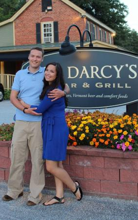 Mr. Darcy's Bar & Grill: Outside the Sign