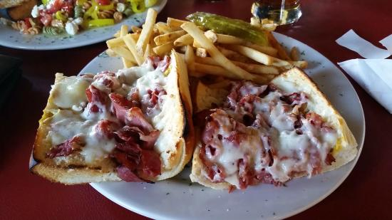 Pizmo Cafe : Pastrami and Cheese Sandwich