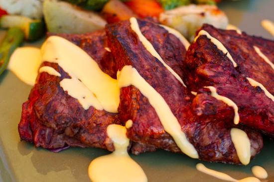 sweet potato fries wit gouda cheese sauce