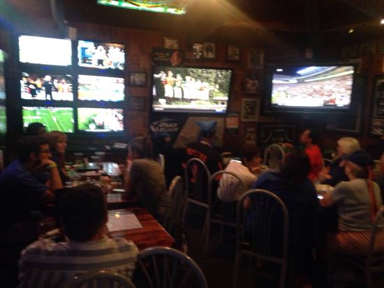 Ricky's Sports Theatre And Grill: The Florida Gator Club meets here on football Saturdays!