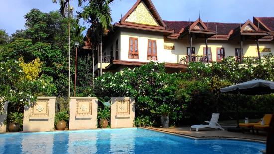 PhuWanalee Resort : บริเวณสระว่ายน้ำของโรงแรม