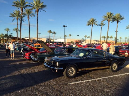 McDonalds Rock And Roll Car Show Picture Of The Pavilions At - Scottsdale car show today