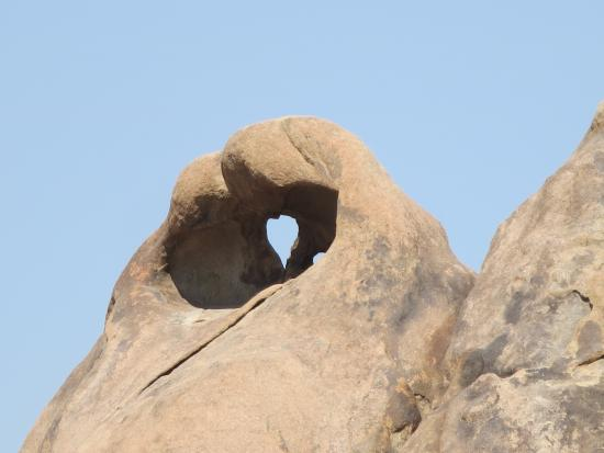 Lone Pine Creek: A heart shape in the rock