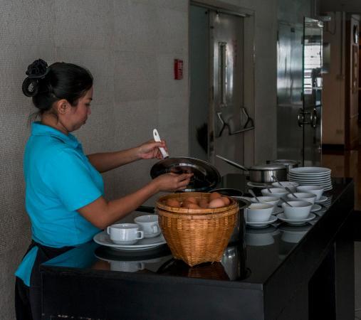 Bliston Suwan Park View: Eggs to order